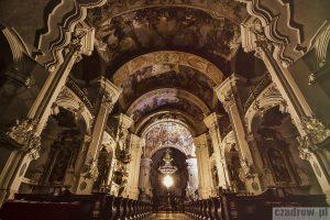 Okolica – Wnętrze Bazyliki w Krzeszowie