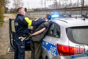 Policjanci kamiennogórskiej drogówki zatrzymali kolejnego pijanego kierowcę
