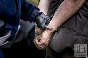 Wszczął awanturę będąc osobą poszukiwaną do odbycia kary pozbawienia wolności