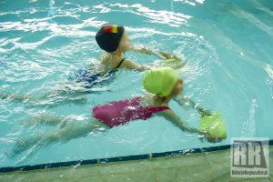 Lekcje pływania dla uczniów kamiennogórskich szkół