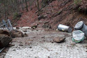 Zamknięty szlak do Wodospadu Szklarki