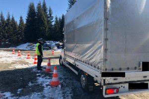 Policjanci kontynuują działania na granicach w Jakuszycach i Przełęczy Okraj