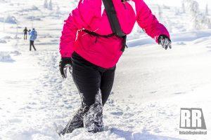 W Karkonoskim Parku Narodowym przybywa śniegu. Niektóre odcinki są nieprzetarte