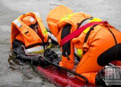 Ćwiczenia lodowe kamiennogórskich strażaków