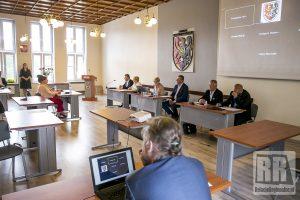 XXXIII Sesja Rady Powiatu Kamiennogórskiego – wideo