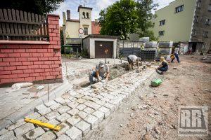 Trwa przebudowa drogi wewnętrznej przy ul. Waryńskiego