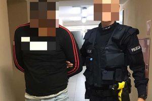 Poszukiwany 24-latek zatrzymany w pościgu z narkotykami